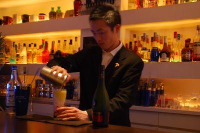Somelier making cocktails