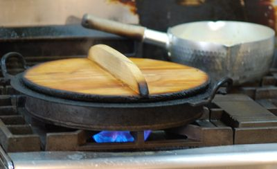 Potstickers cooking closed