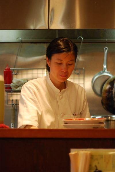 Lady cook:server