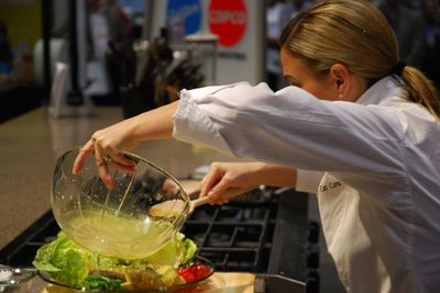 Pouring dressing