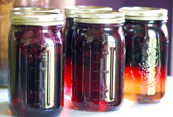 Chandler berries in jars