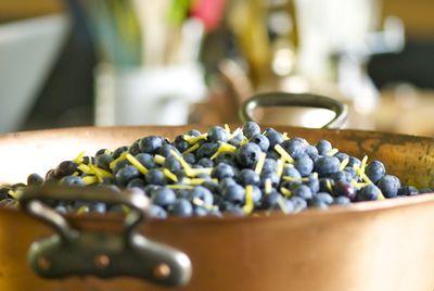 Blueberries with lemon